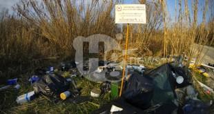 """Rifiuti lungo il fiume Saline a Montesilvano: Stella (M5S) """"a un anno dalla mia interpellanza il problema persiste"""""""