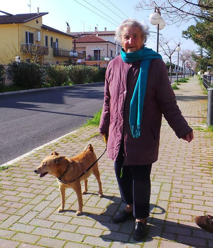 Nonna Cesira con il suo Charles