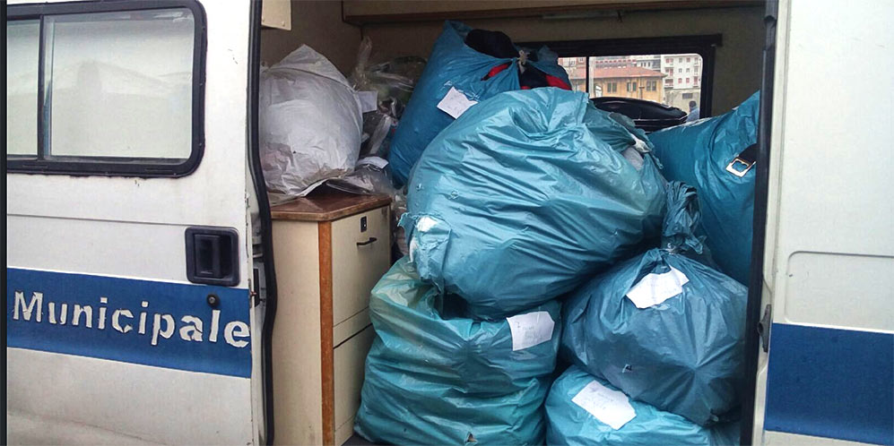 I prodotti sequestrati dalla Polizia municipale pescarese