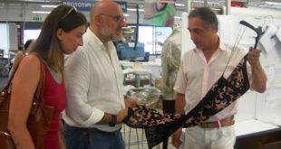 """L'Amministrazione Comunale in visita all'azienda """"Dyloan Bond Factory"""" di Chieti"""