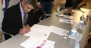 "Intesa Pescara-Spalato, la firma nel corso dell'evento SPEECH ""Split and PEscara for European Citizenship and History"