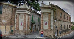 """A Penne la biblioteca è chiusa da due anni: Pettinari e Duttilio (M5S) 'la città paga l'inefficienza della Regione"""""""