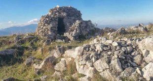 Il sentiero delle capanne di pietra