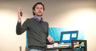 Stefano Renzetti ritira il premio Harald Perten