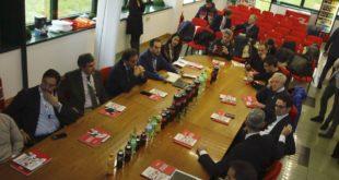 Visita di Marsilio alla Coca Cola di Oricola: nuove tassazioni mettono a rischio la sopravvivenza dello stabilimento > VIDEO