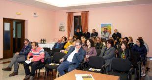 Calorosa accoglienza alla presentazione del libro 'Giuseppe Ciavatta notaio' di Matteo Nanni a Casacanditella
