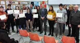 History Life Onlus consegna 11 borse di studio ai ragazzi della scuola media Alighieri di Spoltore