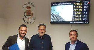 Giulianova, a Palazzo di Città nuova sala d'attesa con sistema digitale per lo Sportello del Cittadino