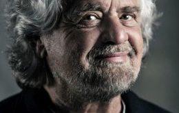 Annullato il tour teatrale di Beppe Grillo 'Terrapiattista', salta anche la data di Pescara
