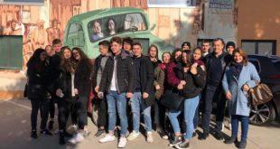 Il corso economico dell'Alessandrini di Montesilvano in visita a un pastificio per il PCTO