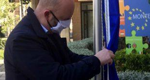 """Montesilvano, ammainata dal Municipio la bandiera U.E.: Il PD locale """"goliardate, diamo un segnale  ai cittadini rinunciando ai compensi di giunta e consiglio"""""""