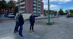 Manoppello, lavori per la rimozione del palo Telecom in via Benedetto Croce