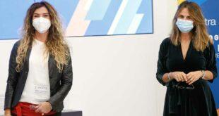 """Alla giornalista abruzzese Giovanna """"Nina"""" Palmieri, inviata de Le Iene, il premio Estra per lo sport"""