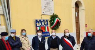 Teramo,omaggio in piazza sant'Agostino, ai tre giovani partigiani fucilati nel 1944
