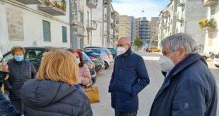 Pescara, via Rigopiano: dalla parte della legalità, vengono minacciate con un coltello